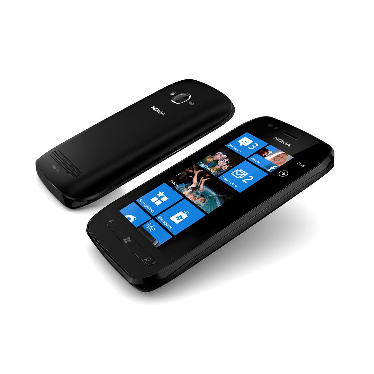 Nokia710_black_doppelt_liegend