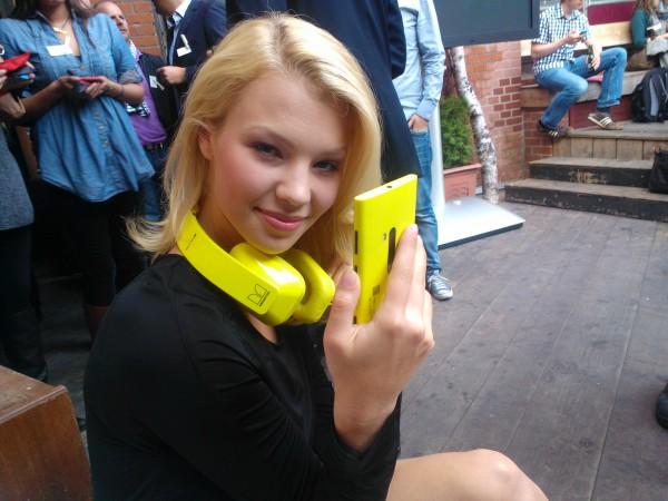 Das neue Nokia Lumia 920 im HandsOn und Vergleich mit dem Lumia 900